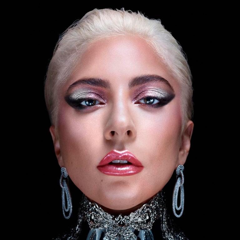 Lady Gaga tendrá su línea de makeup y esto es todo lo que sabemos
